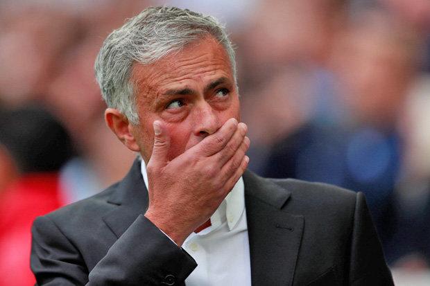 Mourinho sẽ phải rời ghế nóng ở MU