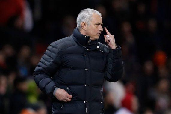 Mourinho văng tục, nguy cơ nhận án phạt từ FA