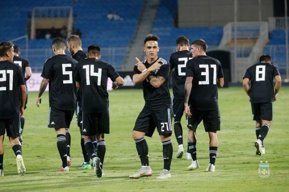Tin bóng đá quốc tế 12/10: Argentina dễ dàng đè bẹp Iraq