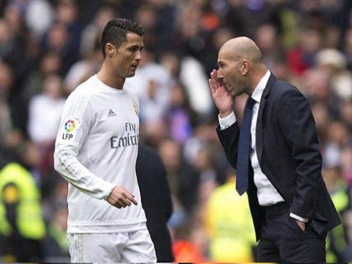 Tin bóng đá quốc tế 14/1: Zidane ra đi vì Ronaldo