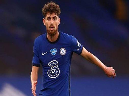 Bóng đá Anh ngày 7/8: Chelsea rao bán tiền vệ Jorginho