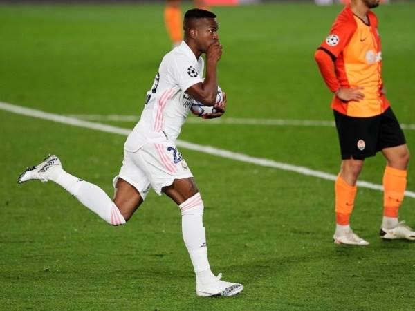 Bóng đá quốc tế 22/10: Vinicius lập kỷ lục ghi bàn chớp nhoáng