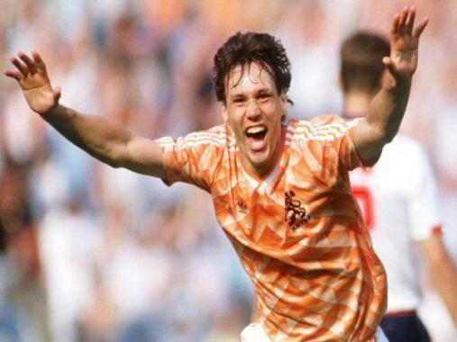 Marco Van Basten – Tiền đạo đáng sợ nhất trong lịch sử