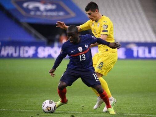Bóng đá Anh tối 23/6: 'Cái mông của Kante khiến đối thủ khó lấy bóng'