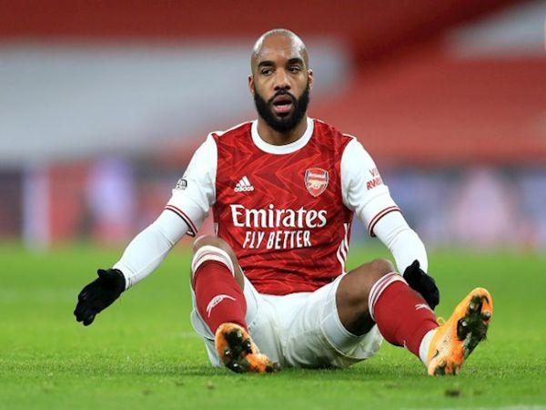 Bóng đá Anh trưa 1/10: Arsenal gạ bán Lacazette cho Milan